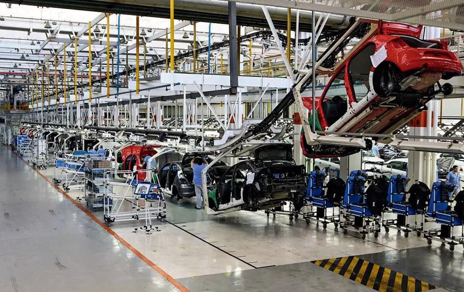 Etiqueta adesiva para indústria automotiva